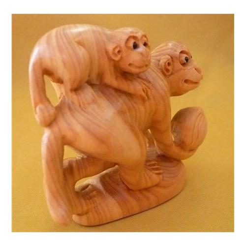 木雕作为立体雕刻的工艺品单独出现