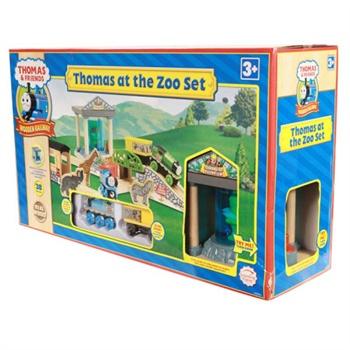 这套包含38块组件的多多岛动物园有一个巨大的水族馆